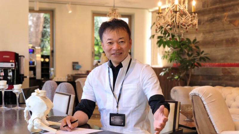 AKA-博田法を極め25,000症例、75,000回以上の実績により開発したAKS治療を展開する山内義弘の写真